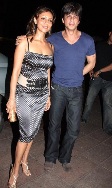 shah_rukh_khan_with_gauri_khan-2.jpg