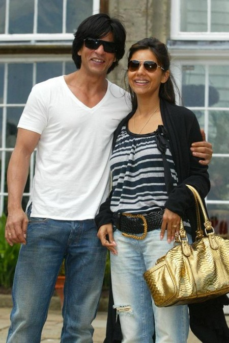 shah_rukh_khan_with_gauri_khan-4.jpg