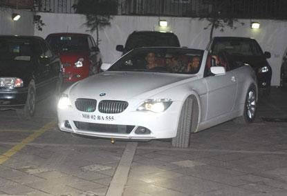Bollywod superstar Shahrukh khan and his wife Gauri Khan attends