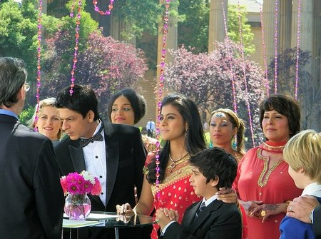 Shahrukh-and-Kajol-on-sets-of-My-Name-is-Khan.jpg