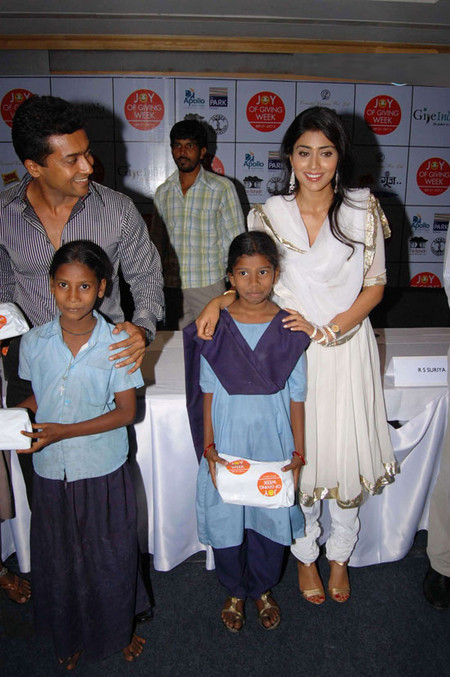 Shriya-Saran-and-surya-at-Joy-of-giving-week-1.jpg
