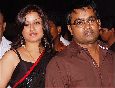Sonia-Agarwal-and-Selvaraghavan-at-Aayirathil-Oruvan-Audio-2.jpg