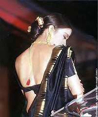 aishwarayas-with-black-saree.jpg