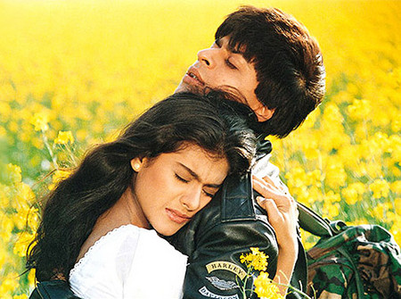 kajol-and-shahrukh-Favourite-Romantic-Bollywood-On-Screen-Couple.jpg