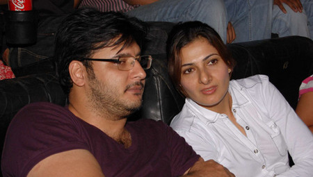 Abbas-with-wife-Erum-Ali2.jpg