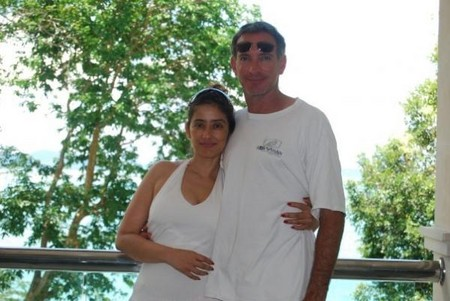 Manisha-koirala-with-boyfriend-chris.jpg