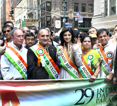 Shilpa-Shetty-at-the-India-Day-Parade-in-New-York-City-2.jpg