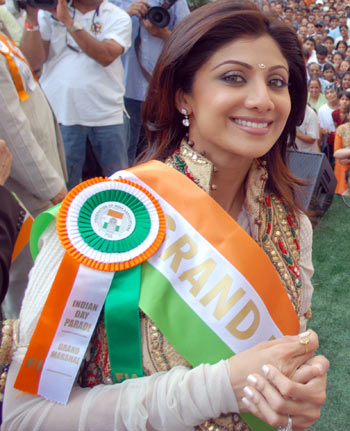 Shilpa-Shetty-at-the-India-Day-Parade-in-New-York-City.jpg