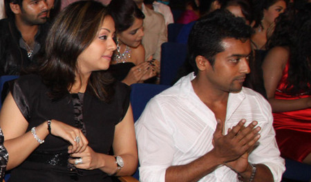 jyothika-with-surya-at-Filmfare-Awards.jpg