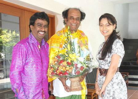 nikil-murugan-with-rajini-pooja.jpg