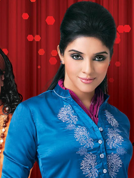 Photo-of-Asin-in-Big-Bazaar-Ad2.jpg