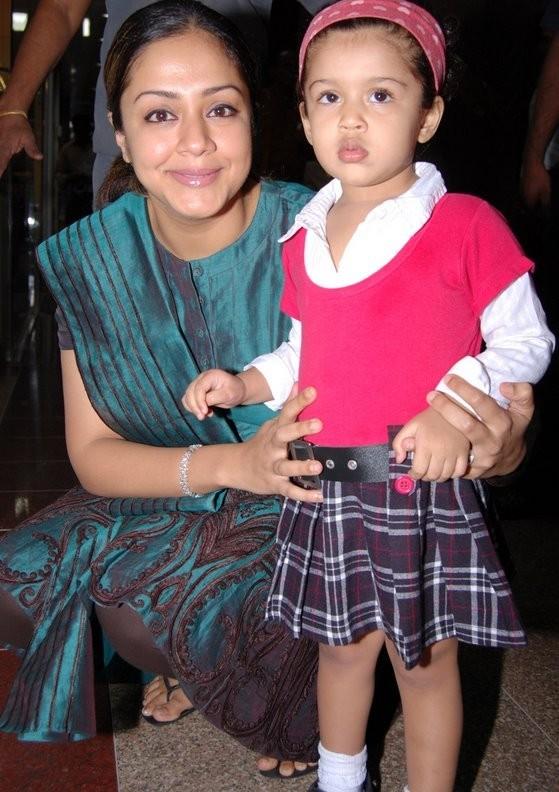 http://www.extramirchi.com/wp-content/uploads/2009/09/Surya-Jyothikas-Daughter-Diya-gallery.jpg