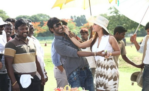 Vishal-with-Neetu-Chandra.jpg