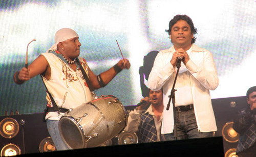 A.R-Rahmans-and-Sivamani-Jai-Ho-live-concert-in-Hyderabad-1.jpg