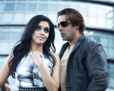 Asin-Salman-khan-London-dreams-movie-pictures-1.jpg
