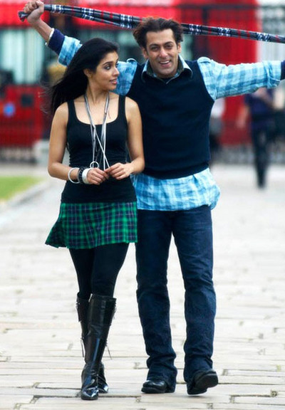 Asin-Salman-khan-London-dreams-movie-pictures.jpg