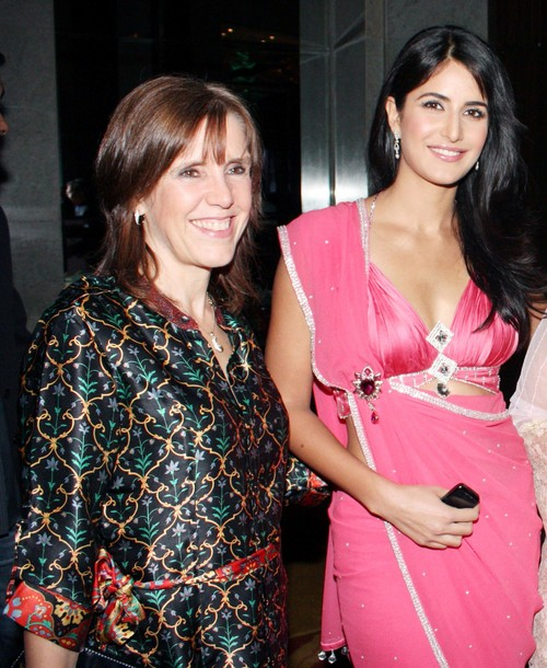 Katrina-Kaif-with-her-mother-Suzanne-Turquotte.jpg