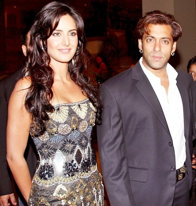 Katrina-walks-the-ramp-in-Salman-hand-painted-dress.jpg