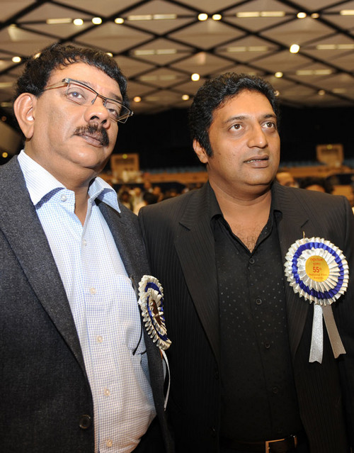 National-award-winner-Prakash-Raj-with-Priyadarshan.jpg