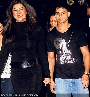 Sushmita-Sen-with-boyfriend-Mudassar-Aziz-photo.jpg