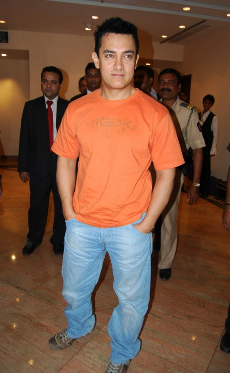 Youthful-looking-Aamir-Khan.JPG