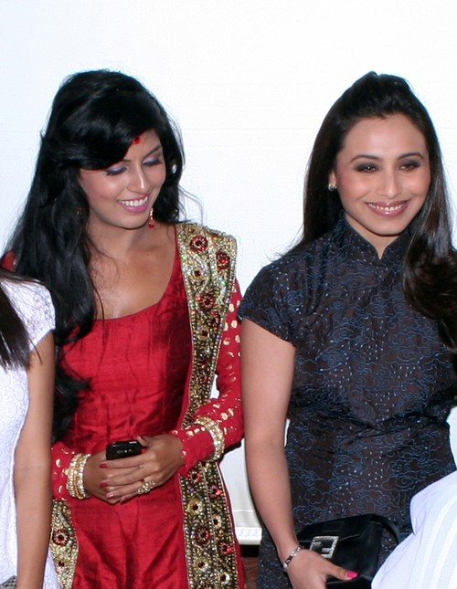 Aarti-Puri-and-Rani-Mukherjee-at-the-Launch-Party-of-the-Serial-Aanchal.JPG