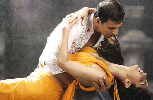 Akshay Kumar and Katrina Kaif rain dance photos (4)