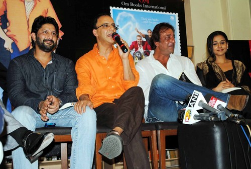Arshad-Warsi-Vidhu-Vinod-ChopraSanjay-Dutt-and-Vidya-Balan-at-the-Book-Launch-of-the-Film-Lage-Raho-Munna-Bhai.jpg