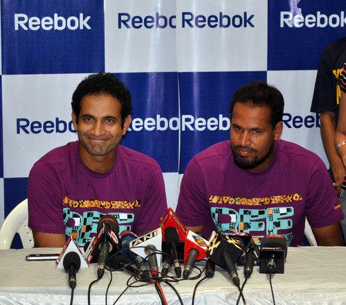 Irfan_Pathan_and_Yusuf_Pathan-at-Reebok-Junior-store-launch-3.JPG