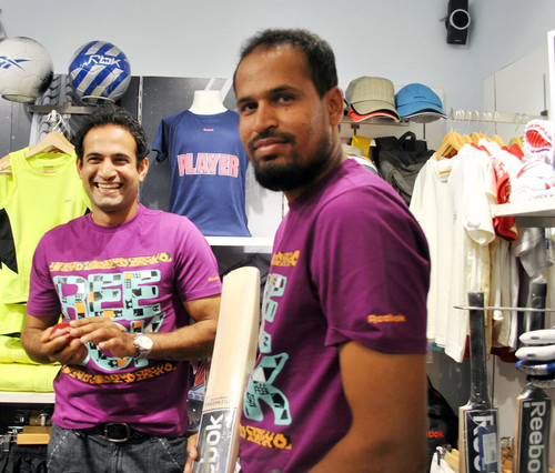 Irfan_Pathan_and_Yusuf_Pathan-at-Reebok-Junior-store-launch.JPG