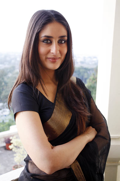 Kareena-Kapoor-in-Chanderi-silk-saree-1.jpg