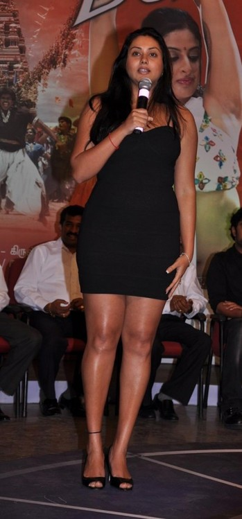 Namitha-at-Audio-Launch-of-Magane-En-Marumagane-1.jpg
