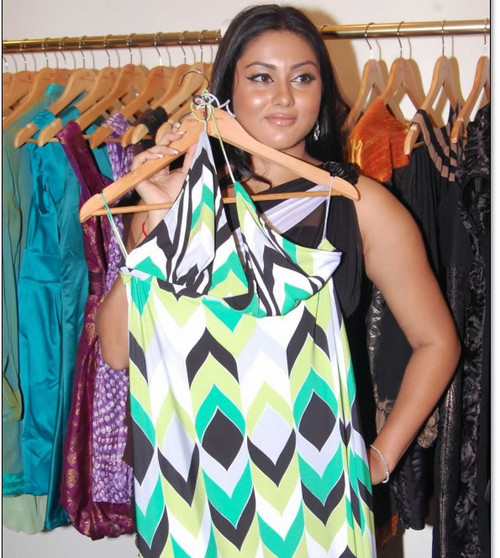 Namitha-launches-Chennai-based-Sidney-Sladen-boutique-2.jpg