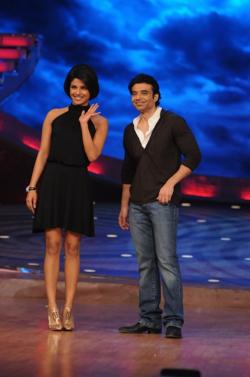 Priyanka-Chopra-and-Uday-Chopra-at-the-Dance-Premier-League-1.JPG
