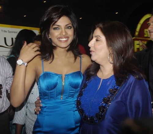 Priyanka_Chopra_and_Farah_Khan.JPG
