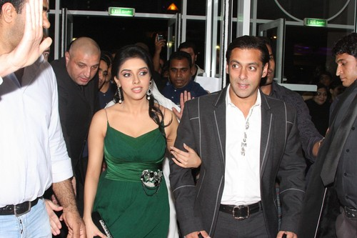 Salman-Khan-and-Asin.JPG