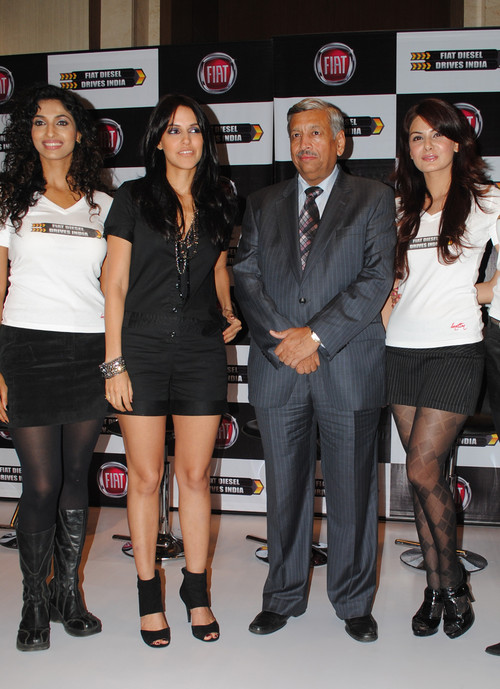 Sandhya-Shetty-Neha-Dhupia-Rajeev-Kapoor-and-Anchal-Kumar-at-the-Launch-Of-Diesel-Fiat-Car.JPG