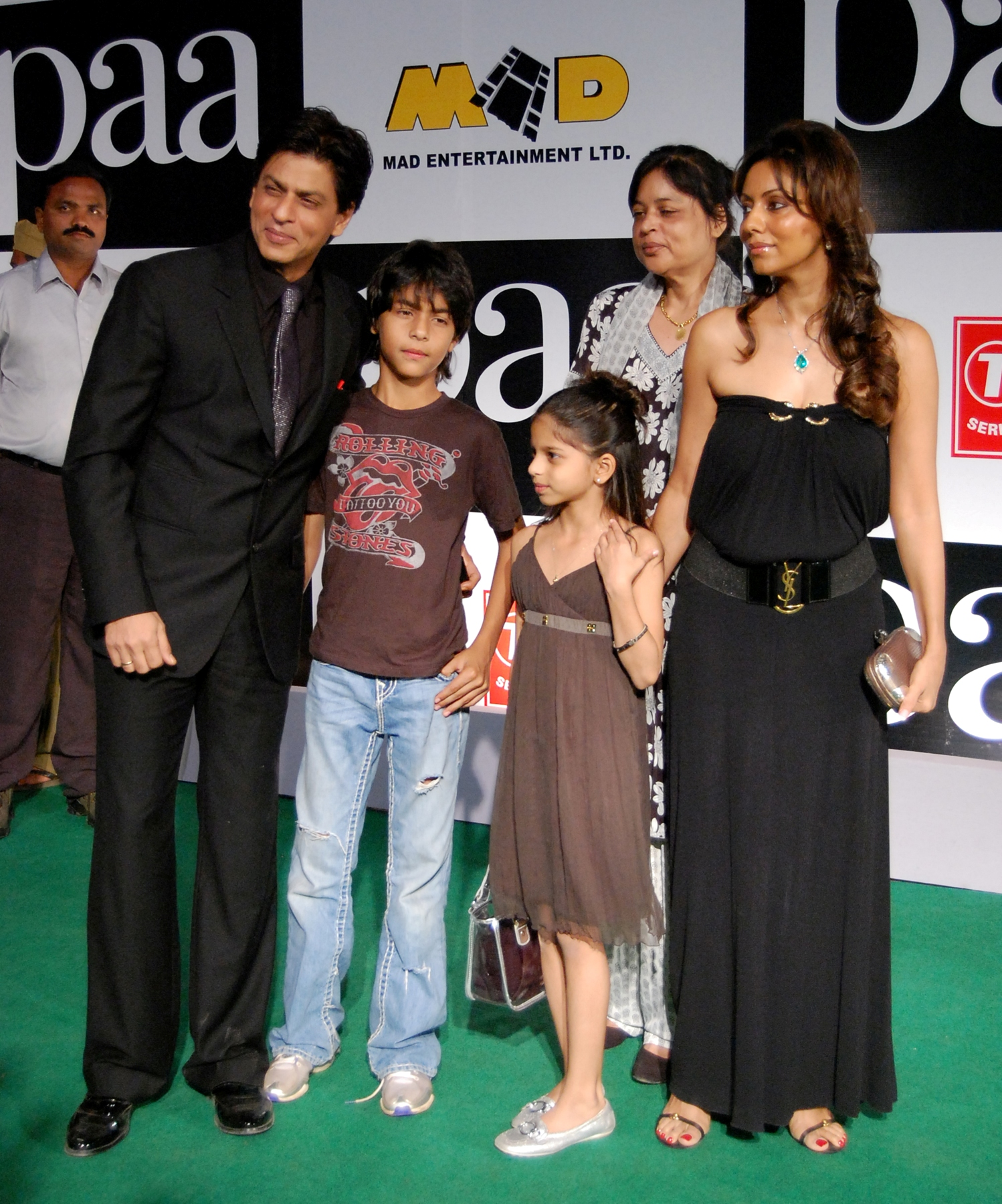 Shahrukh Khan and Gauri Khan at the Premiere of the film Paa
