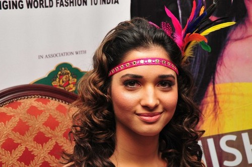 Tamannaah-Bhatia-walks-for-Nishka-Lulla-at-the-Chennai-International-Fashion-Week.jpg