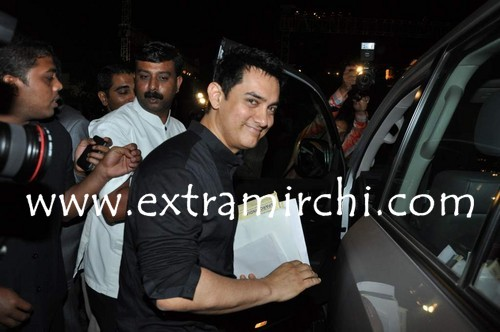 Aamir-Khan-at-IBN7-Super-Idols-to-honor-achievers-with-disability-1.jpg