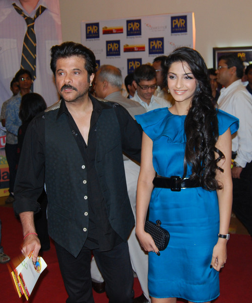 Anil-Kapoor-with-daughter-Sonam-Kapoor.jpg