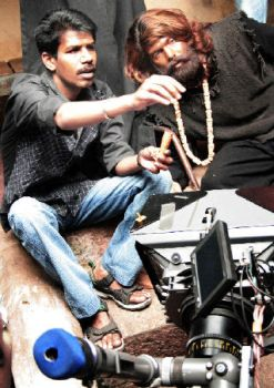 Director-Bala-with-Aarya-on-the-sets-Naan-Kadavul.jpg