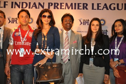 Shilpa-Shetty-Ness-Wadia-Vijay-Mallya-and-Preity-Zinta-at-IPL-Players-Auction-media-meet.jpg