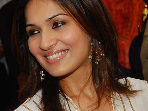 Soundarya-Rajinikanth-getting-engaged-to-Ashwin.jpg
