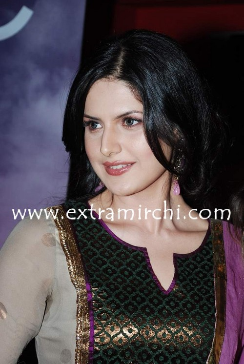 Zarine-Khan-special-screening-for-Veer-4.jpg