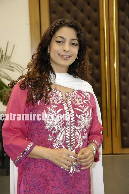 bollywood-actress-Juhi-Chawla-6.jpg