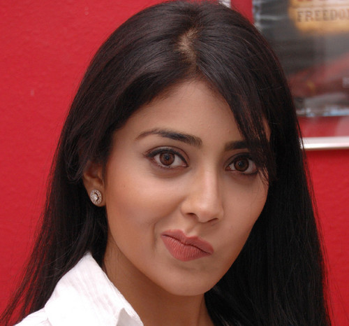 shriya-in-different-moods-1.jpg