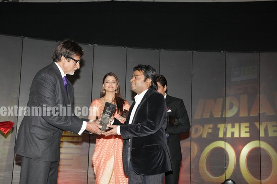 AR-Rahman-receives-NDTV-award-from-Bachchan-Shah-Rukh-Khan-and-Aishwarya-Rai-seen.jpg