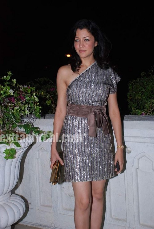 Aditi-Gowitrikar-at-Swarovski-auction-dinner.jpg