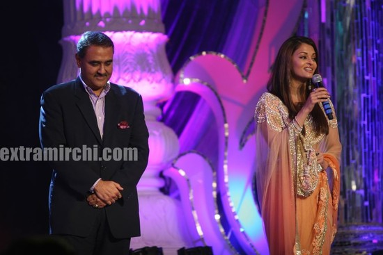 Aishwarya-Rai-at-GR-8-Women-Awards-in-ITC-Grand-Maratha.-5.jpg